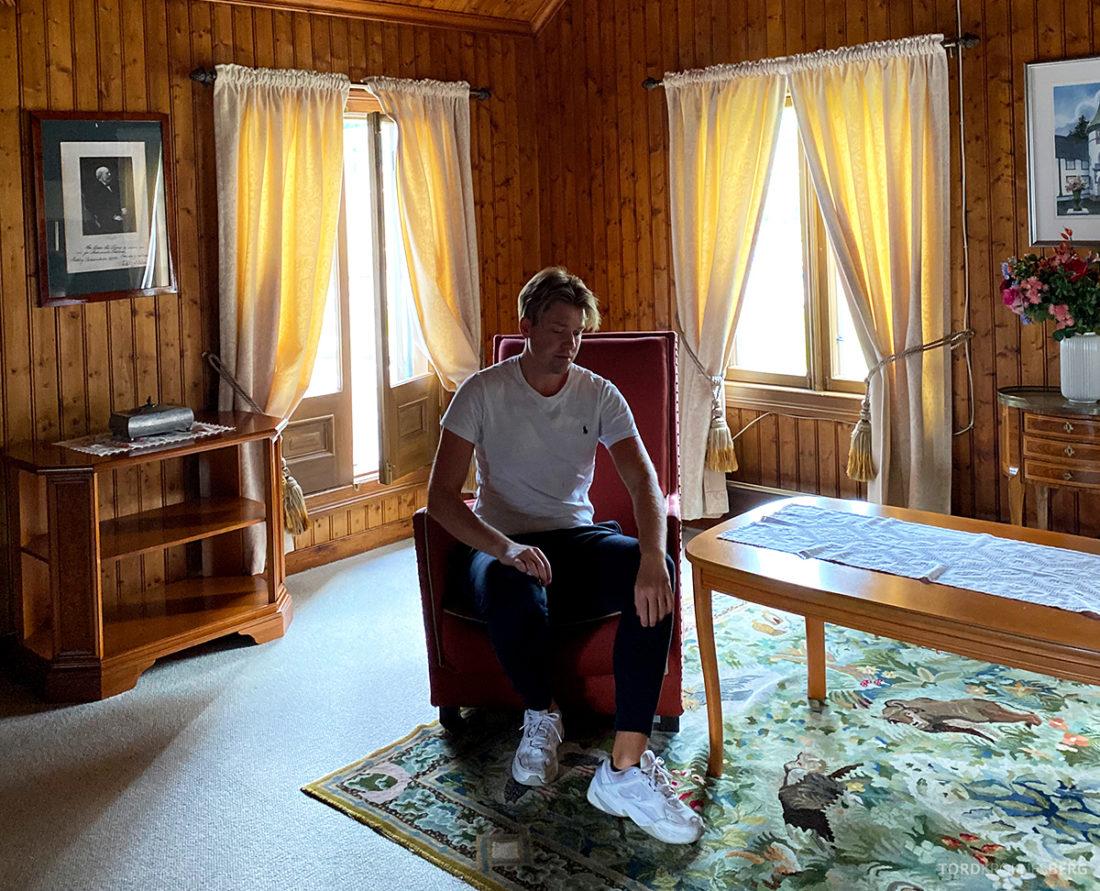 Bårdshaug Herregård Hotel Orkanger Tord Kroknes Berg stol