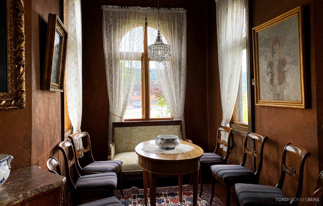 Bårdshaug Herregård Hotel Orkanger stue