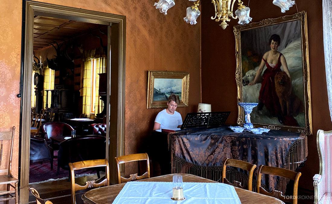 Bårdshaug Herregård Hotel Orkanger piano Tord Kroknes Berg