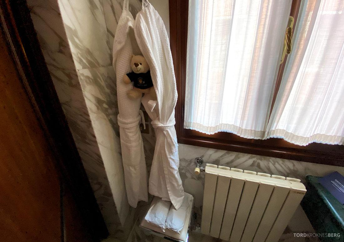 Grand Hotel Dei Dogi Venezia badekåpe og tøfler
