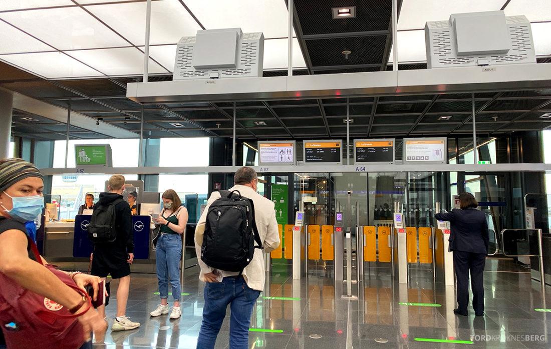 Lufthansa Economy Business Class Covid19 gate Frankfurt