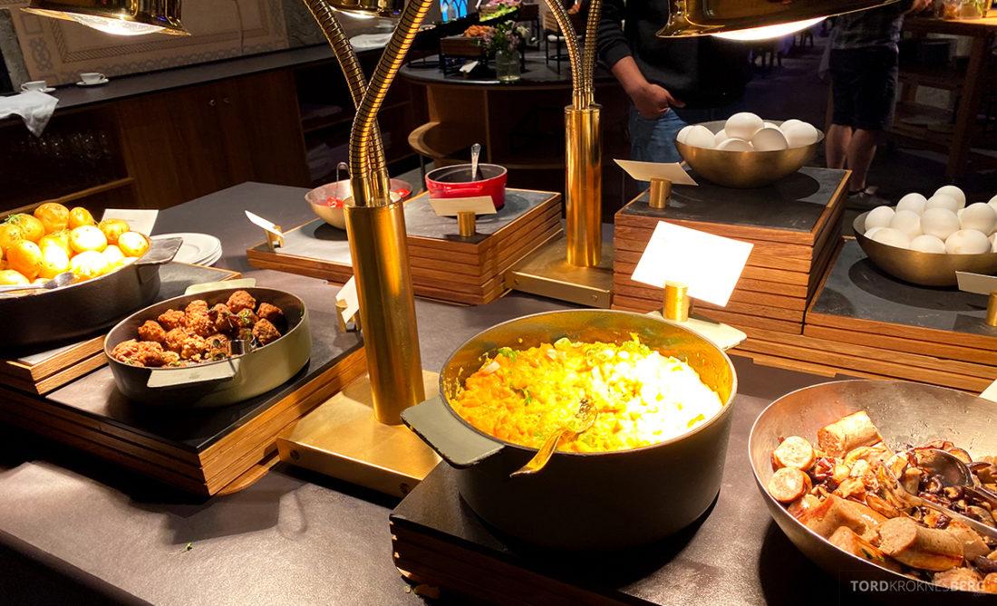 Britannia Hotel Trondheim frokost varmmat