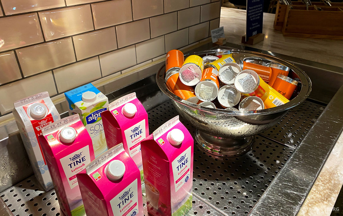 SAS Lounge Oslo Corona juice melk
