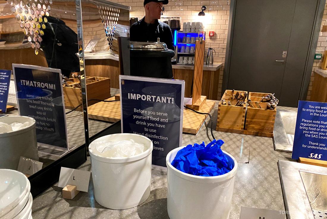 SAS Lounge Oslo Corona hansker