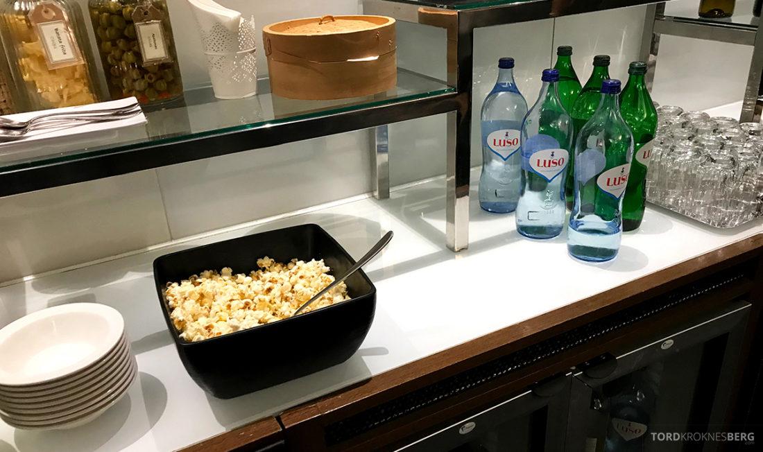 Sheraton Lisboa Hotel Club Lounge popcorn