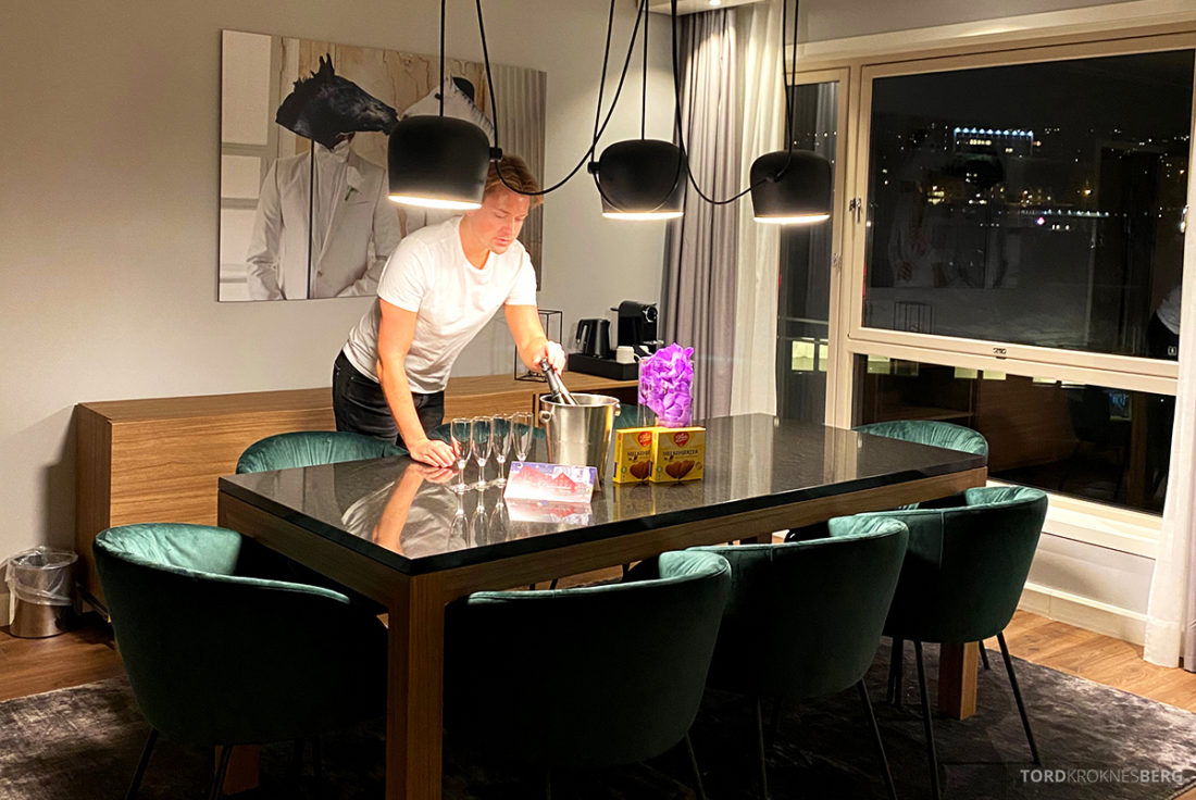 Radisson Blu Tromsø Hotel velkomstgave Tord Kroknes Berg