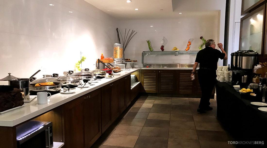 Renaissance Newark Airport Hotel frokostbuffet