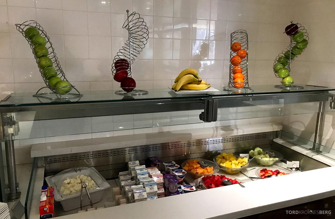 Renaissance Newark Airport Hotel frokost frukt og bær