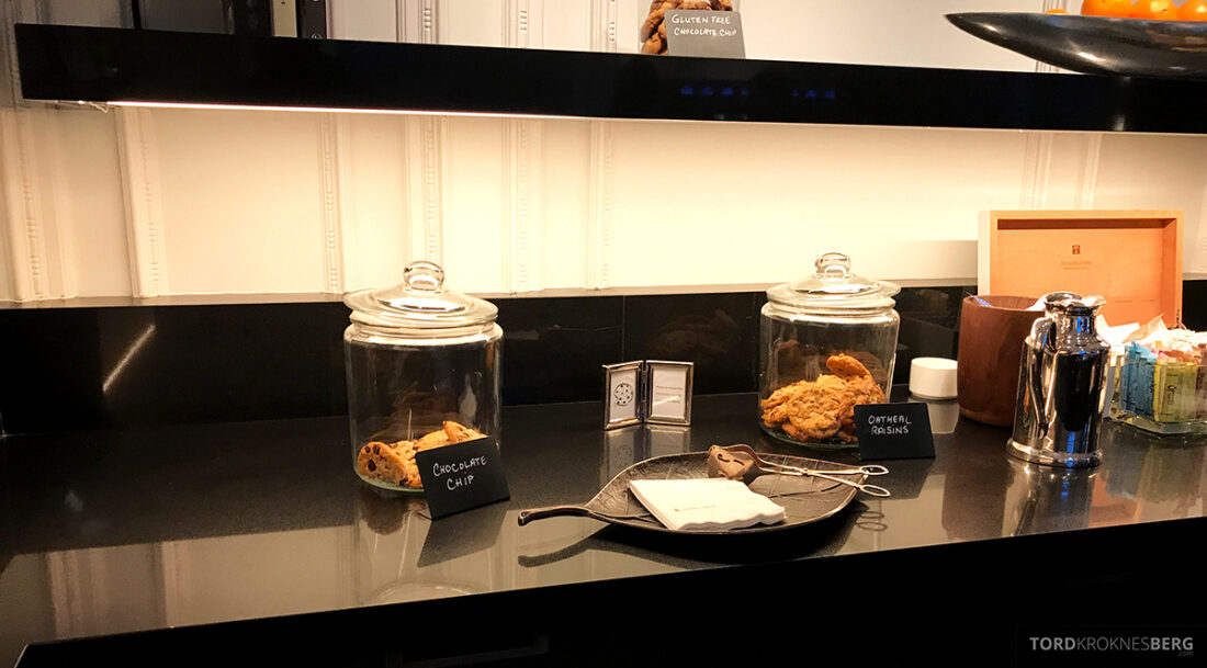 Ritz-Carlton Hotel New York Central Park Club Lounge cookies