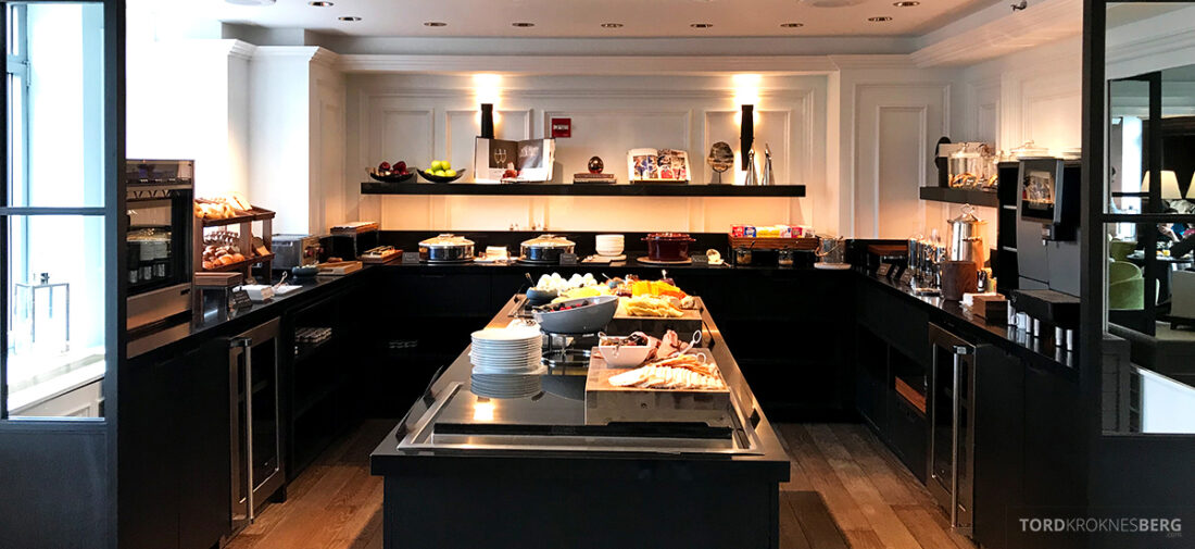 Ritz-Carlton Hotel New York Central Park Club Lounge frokostbuffet