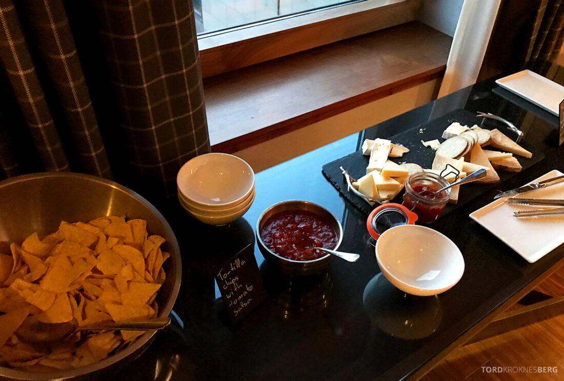Sheraton Grand Hotel & Spa Edinburgh Club Lounge snacks