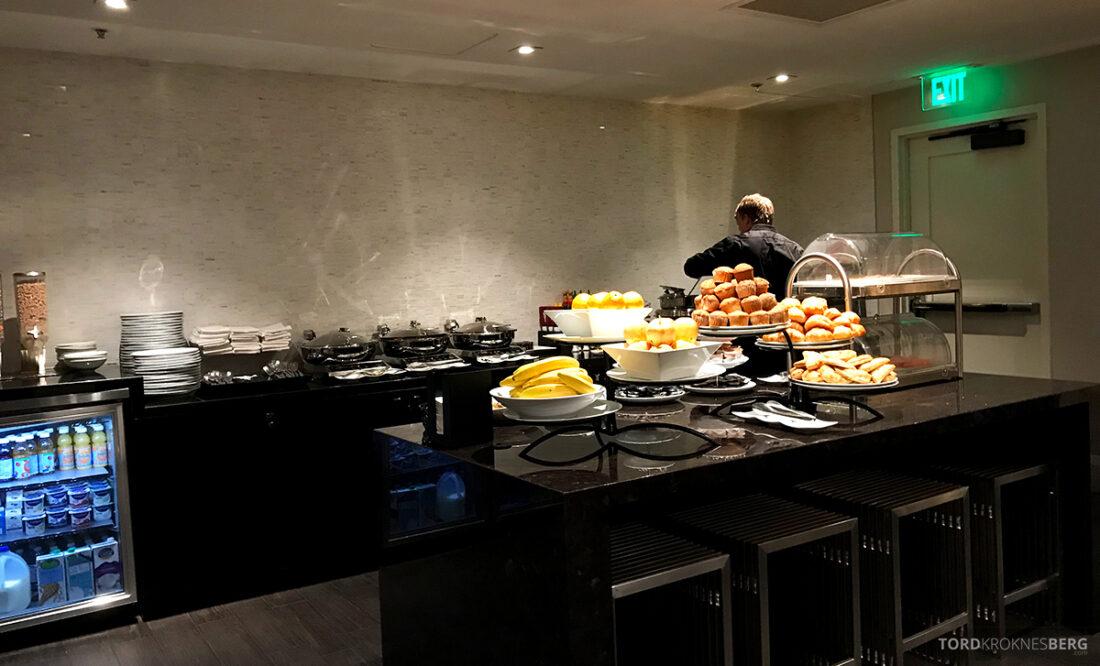 Beverly Hills Marriott Hotel Executive Lounge frokostbuffet