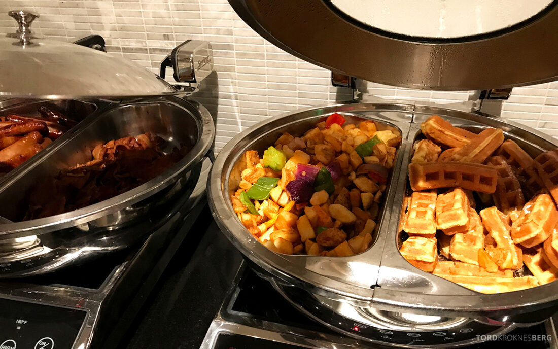 Beverly Hills Marriott Hotel Executive Lounge varmmat frokost