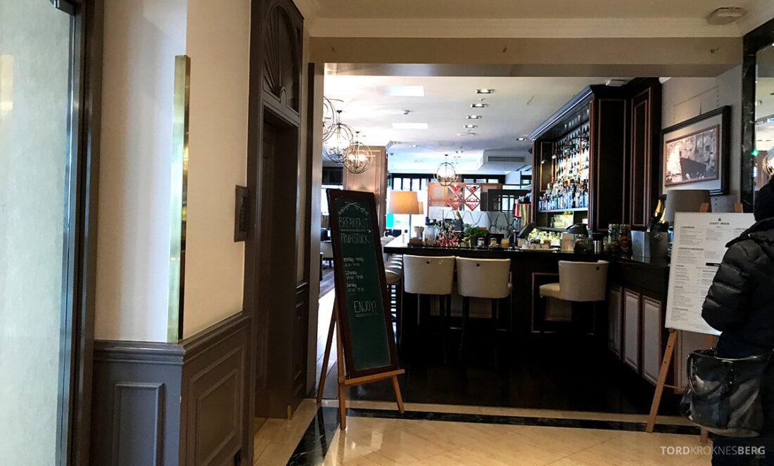 Marriott Hamburg Hotel inngang bar og frokost