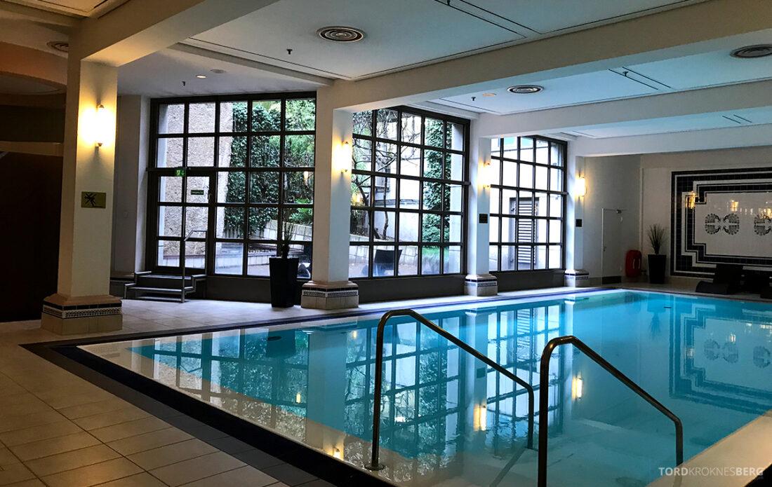 Marriott Hamburg Hotel basseng utendørs