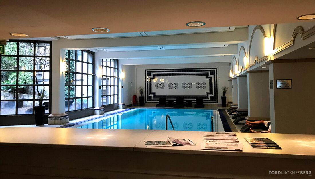 Marriott Hamburg Hotel basseng oversikt
