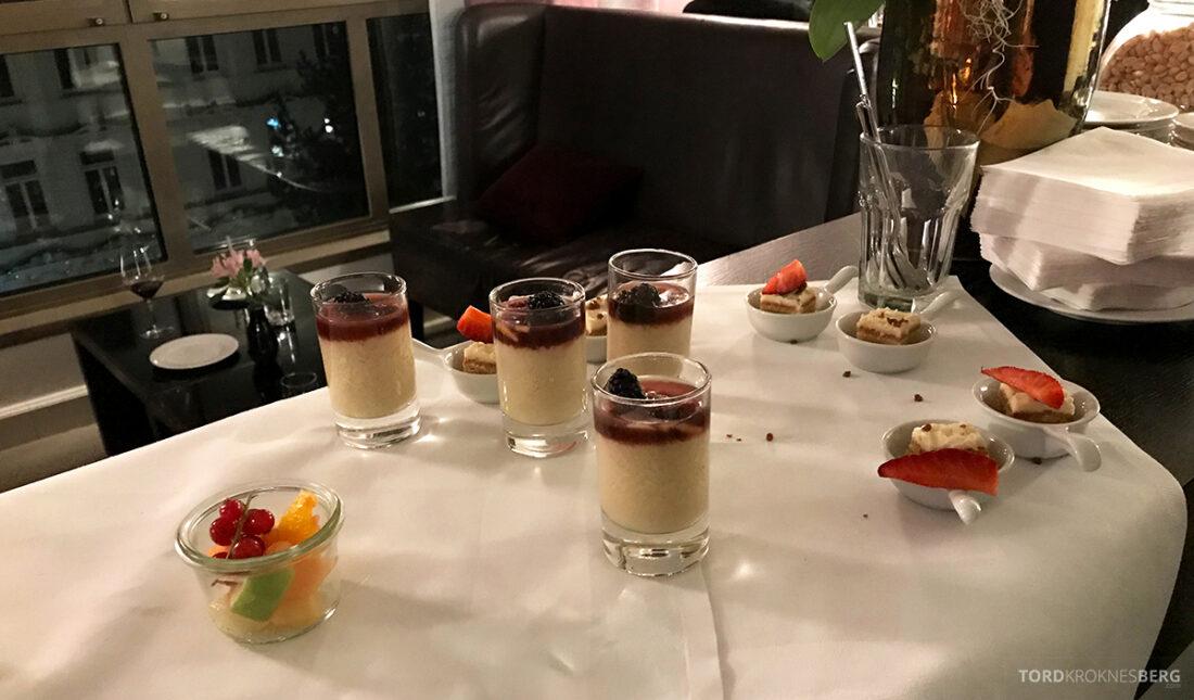 Marriott Hamburg Hotel Executive Lounge desserter
