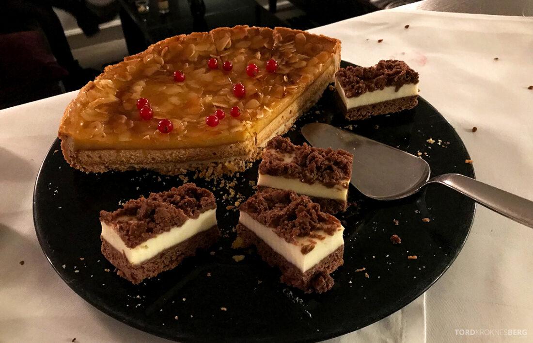 Marriott Hamburg Hotel Executive Lounge dessert kake