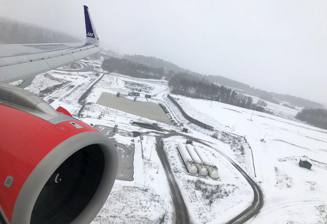 SAS Plus Edinburgh Oslo sne landing