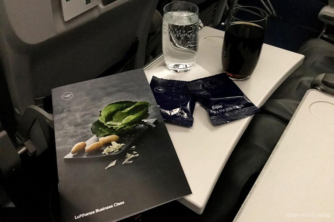 Lufthansa Economy Business Class Oslo Kiev meny og drikke