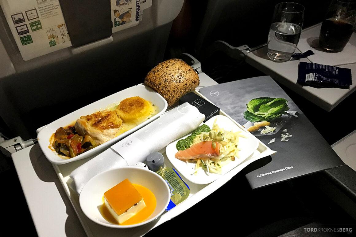 Lufthansa Economy Business Class Oslo Kiev mat