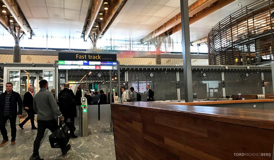Lufthansa Economy Business Class Oslo Kiev fast track