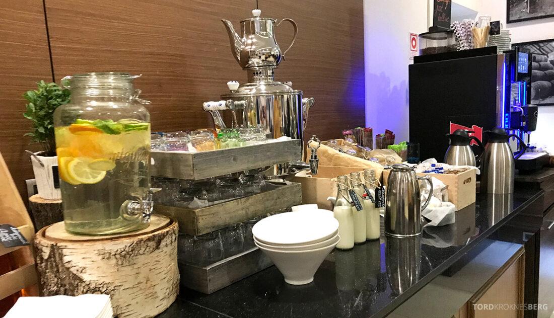 Radisson Blu Hotel Kyiv Podil frokost drikke