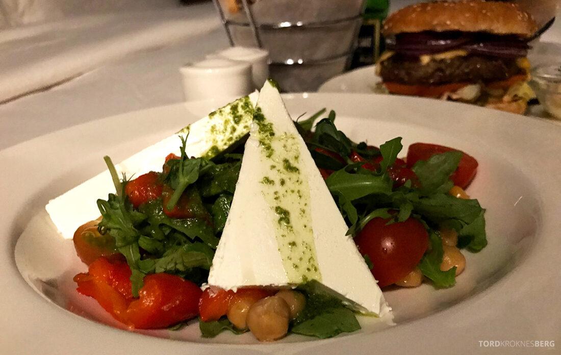 Radisson Blu Hotel Kyiv Podil room service salat