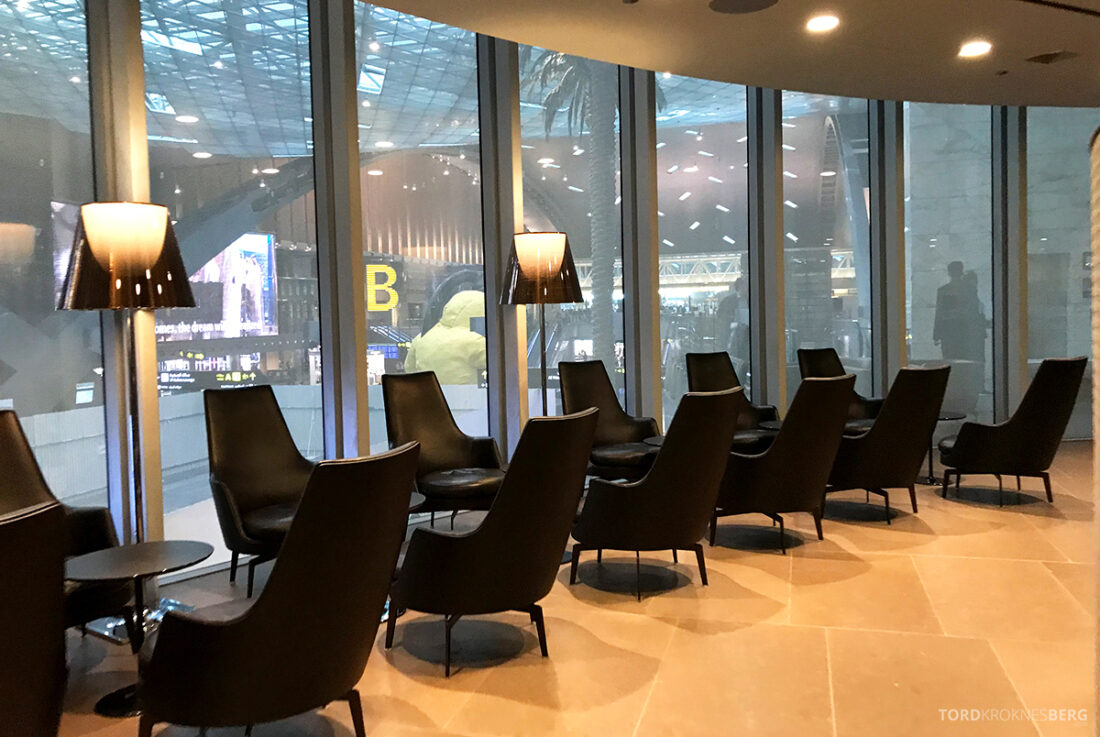 One World First Class Lounge Doha Qatar utsikt sitteplasser