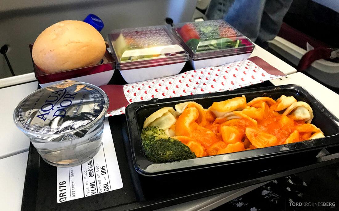 Qatar Airways Economy Class Oslo Doha pasta