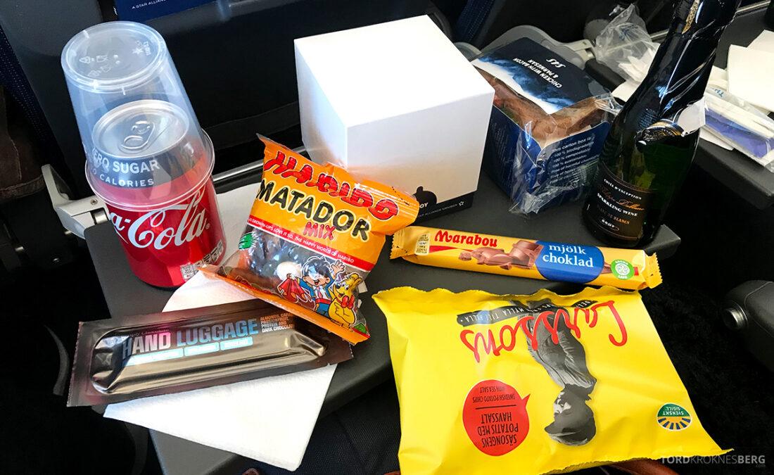 SAS Plus Reykjavik Oslo snacks