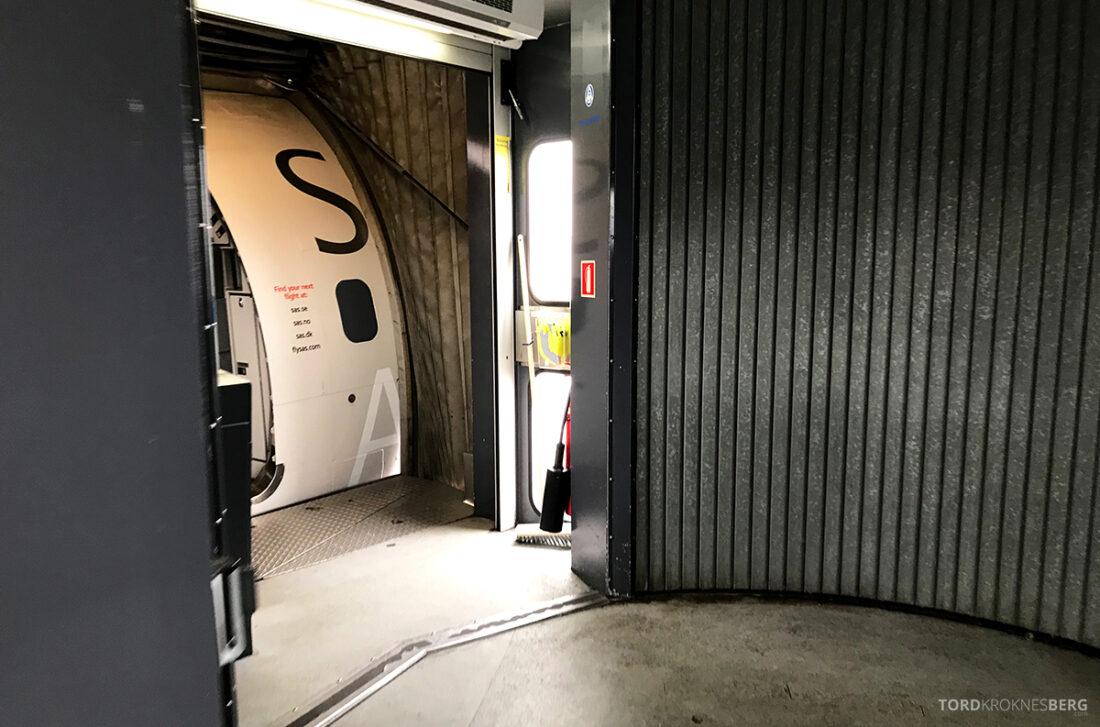 SAS Plus Reykjavik Oslo på vei ombord