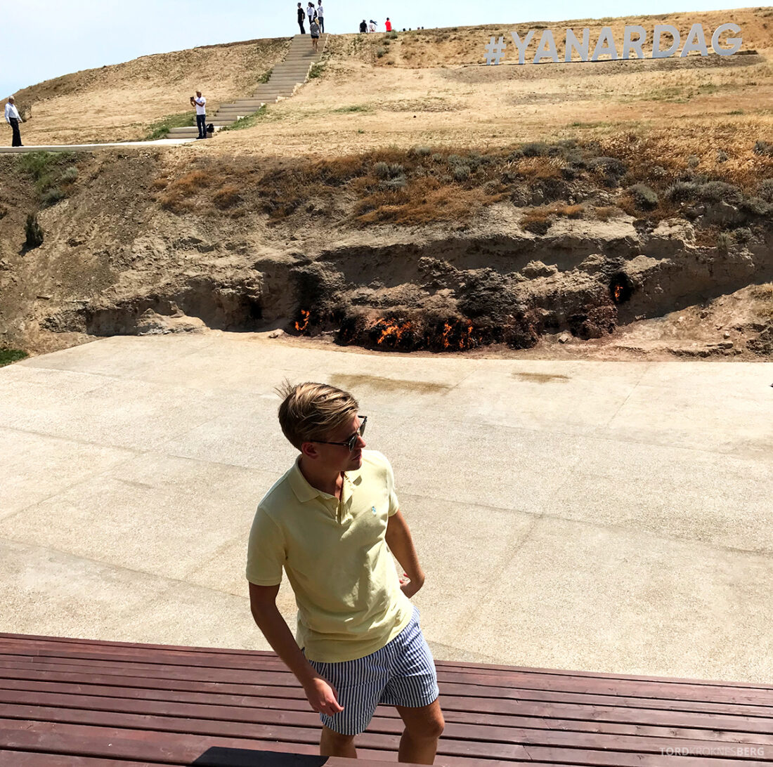 Gobustan Asteshgah Yanardag Tour Baku Tord Kroknes Berg flammer