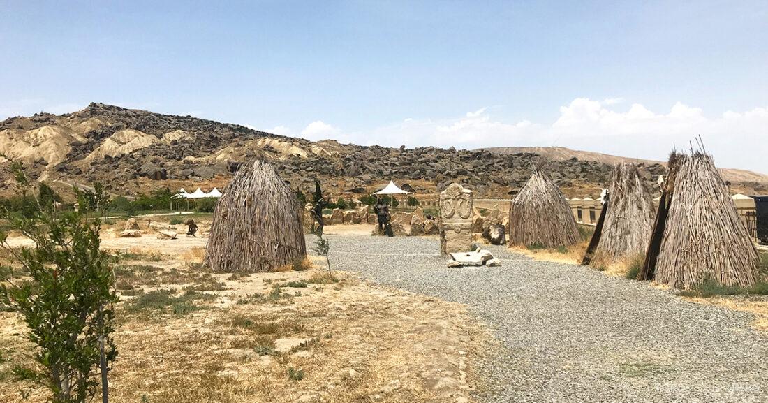 Gobustan Asteshgah Yanardag Tour Baku leir
