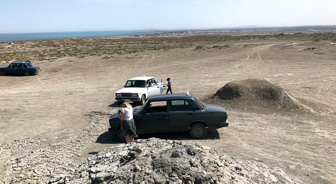 Gobustan Asteshgah Yanardag Tour Baku lada taxi