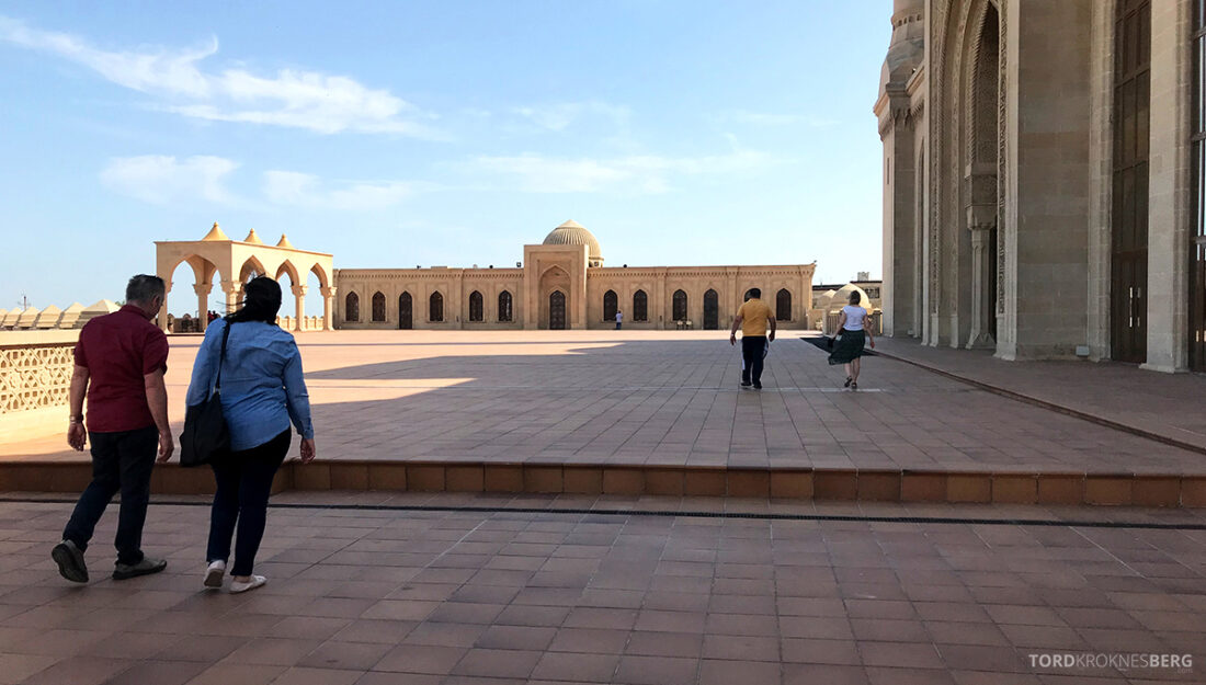 Gobustan Asteshgah Yanardag Tour Baku Bibi-Heybat moske ute