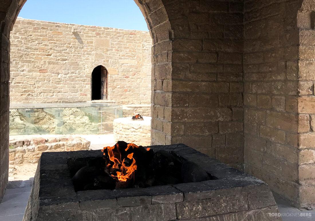 Gobustan Asteshgah Yanardag Tour Baku flamme tempel