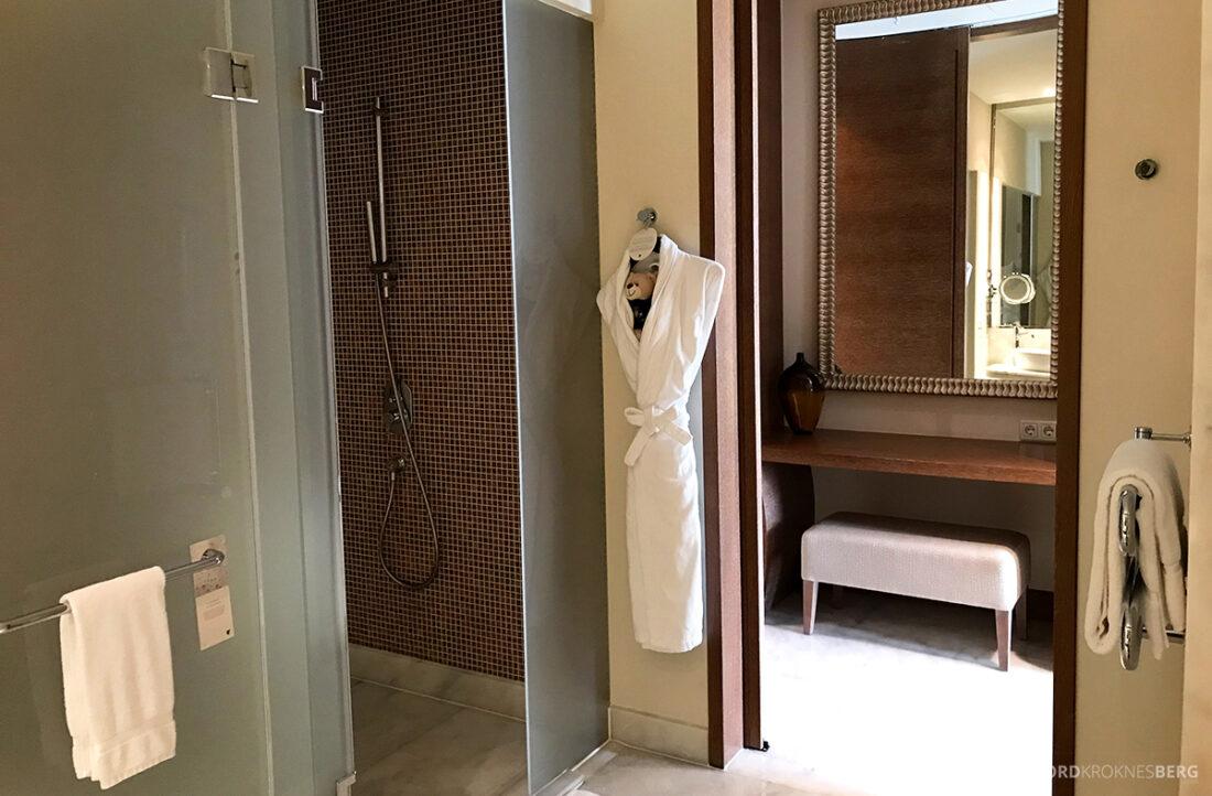 JW Marriott Absheron Hotel Baku badekåpe bad
