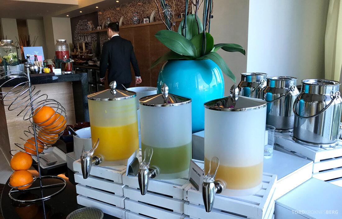 JW Marriott Absheron Hotel Baku Executive Lounge juice