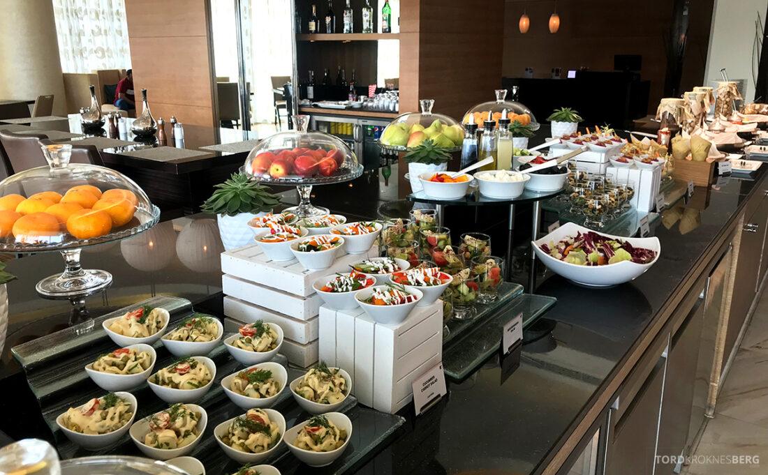 JW Marriott Absheron Hotel Baku Executive Lounge buffet hors d'oeuvre