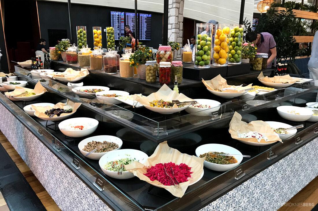 Miles&Smiles Lounge Istanbul salatbuffet