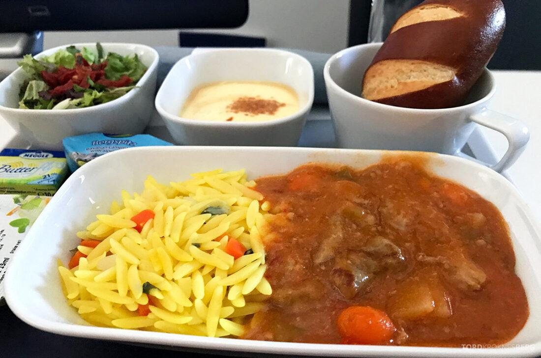 Lufthansa Premium Economy Class Oslo Frankfurt Los Angeles biff
