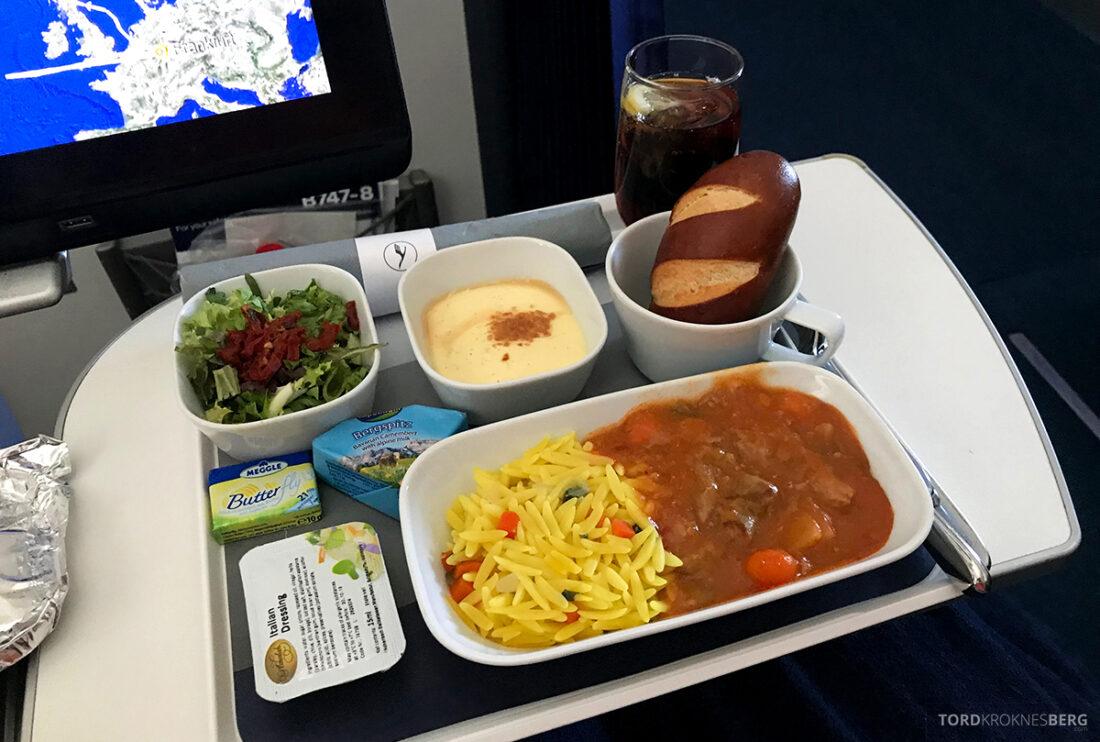 Lufthansa Premium Economy Class Oslo Frankfurt Los Angeles måltid