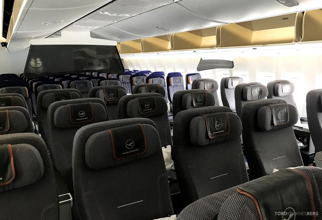 Lufthansa Premium Economy Class Oslo Frankfurt Los Angeles kabin