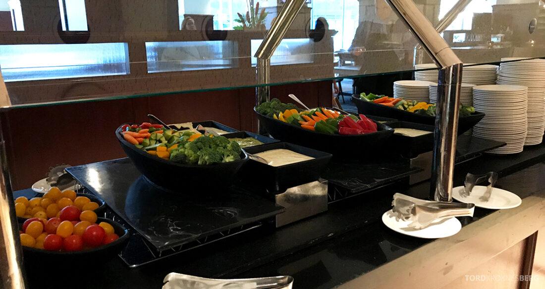 Sheraton New York Times Square Hotel Club Lounge hors d'oeuvre grønnsaker