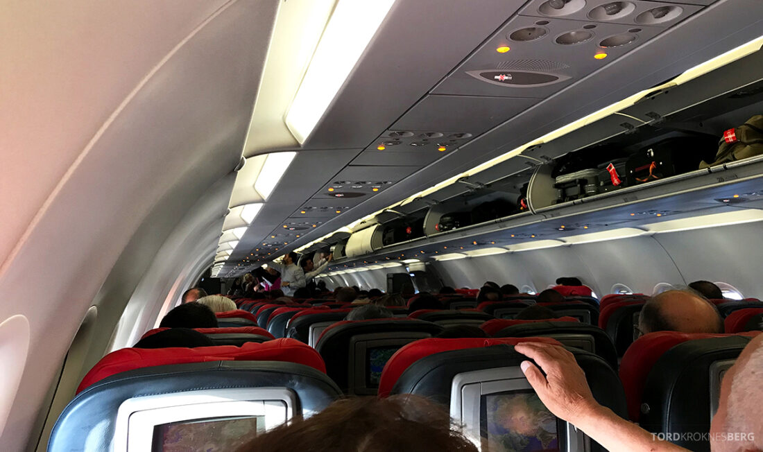 Turkish Airlines Economy Business Class Baku Istanbul Oslo kabin