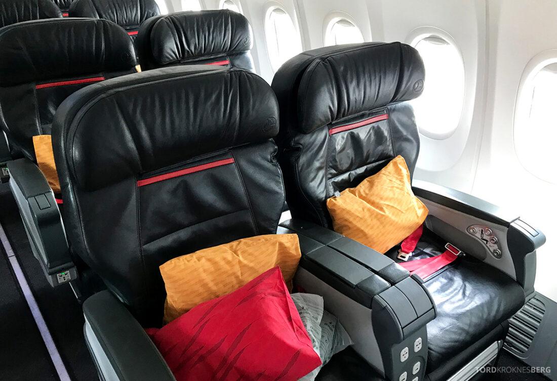 Turkish Airlines Economy Business Class Baku Istanbul Oslo seter
