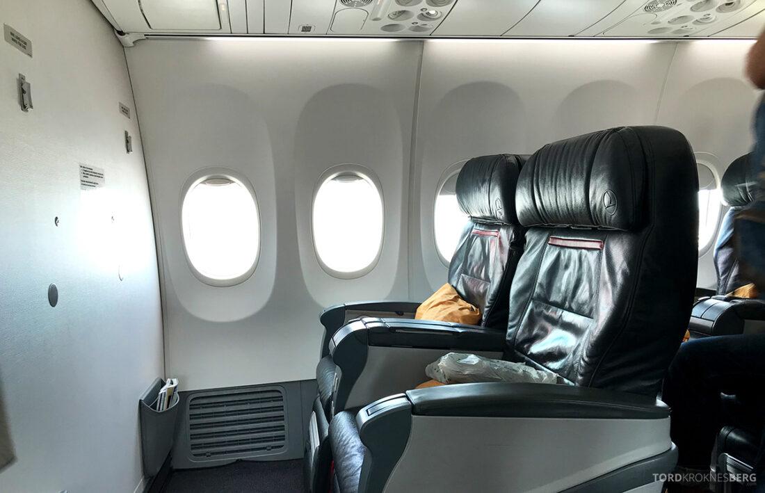 Turkish Airlines Economy Business Class Baku Istanbul Oslo første rad