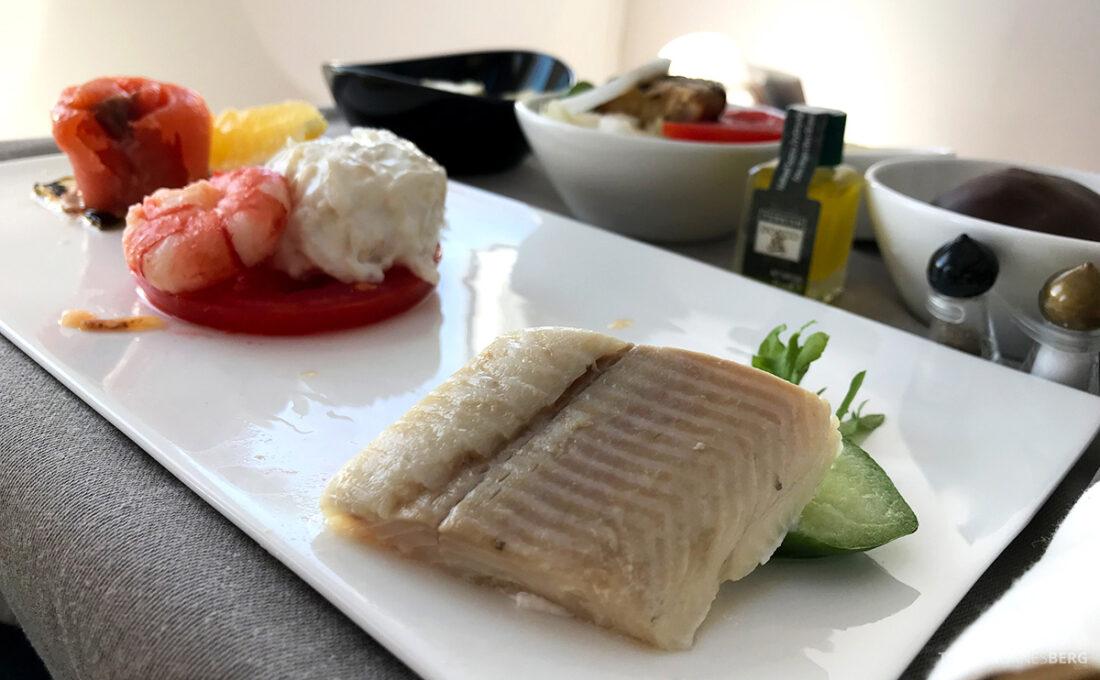 Turkish Airlines Economy Business Class Baku Istanbul Oslo fisk forrett