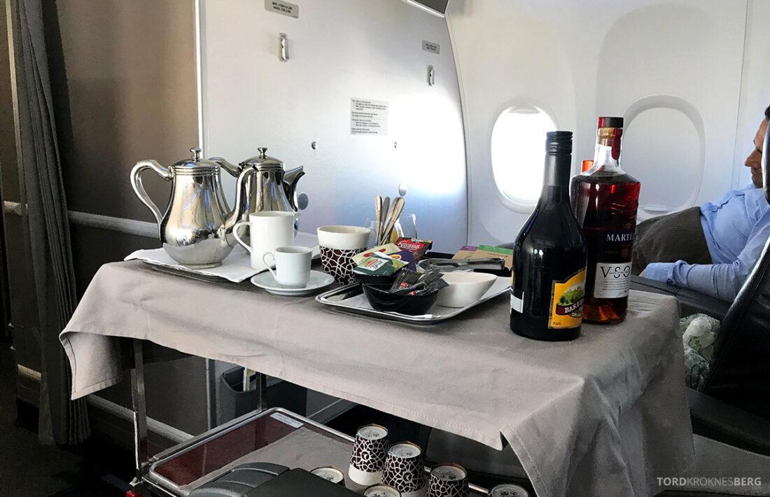 Turkish Airlines Economy Business Class Baku Istanbul Oslo desserttrallen